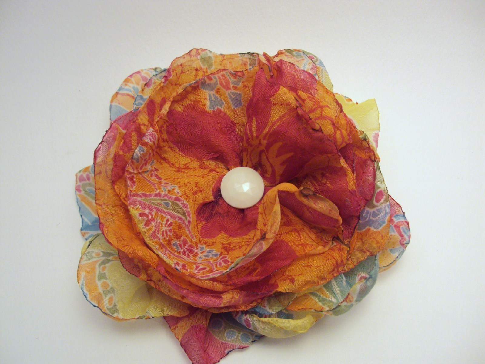 Fabric Brooches · A Fabric Flower Brooches · Embellishing ...