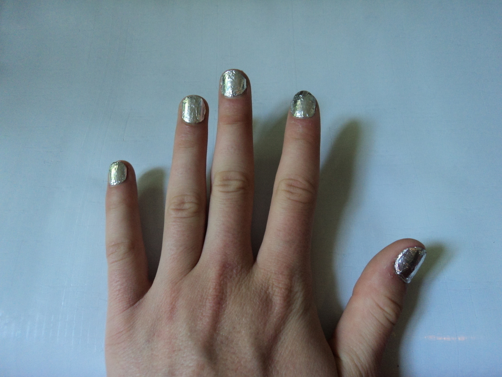 Foil Nails 183 How To Create Foil Nail Art 183 Art Nail Painting And Decorating On Cut Out Keep