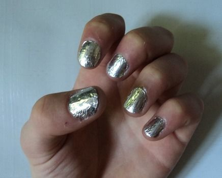 Foil Nails How To Create Foil Nail Art Art Nail Painting And