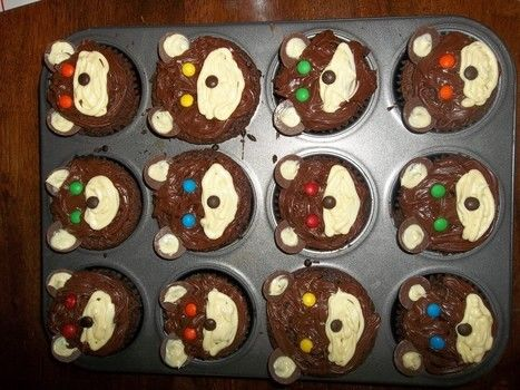 Cute, yummy treats! .  Decorate an animal cake in under 75 minutes by baking, decorating food, and cake decorating with chocolate, cake mix, and baking cases. Inspired by kawaii, cupcakes, and bears. Creation posted by Hannah . Difficulty: Simple. Cost: 3/5.