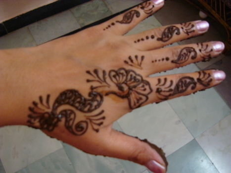 Mehendi for all occasions....... .  Paint a henna tattoo in under 30 minutes by creating, drawing, applying makeup, and making beauty products with mehendhi. Inspired by creatures, costumes & cosplay, and vintage & retro. Creation posted by Vandana J. Difficulty: Simple. Cost: Absolutley free.