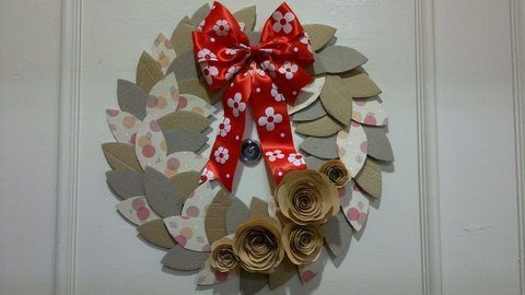 .  Make a paper wreath in under 180 minutes Version posted by Ann N. Difficulty: Simple. Cost: Absolutley free.