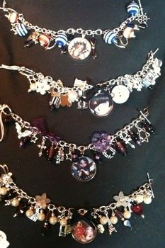 Cute bubble picture charm bracelats .  Make a bracelet in under 30 minutes by beading and jewelrymaking with beads, chain, and charms. Inspired by gothic, vintage & retro, and vampires. Creation posted by Leeanne B. Difficulty: Easy. Cost: 3/5.
