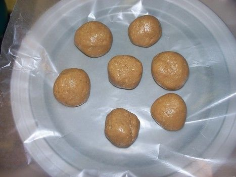 A quick & easy summer snack .  Free tutorial with pictures on how to bake a batch of peanut butter balls in under 10 minutes by cooking with flour, honey, and peanut butter. Inspired by party food, summer holidays, and food. Recipe posted by Ms. Nikell. Difficulty: Easy. Cost: Cheap. Steps: 8