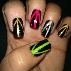 Nails With Strypes Of Color