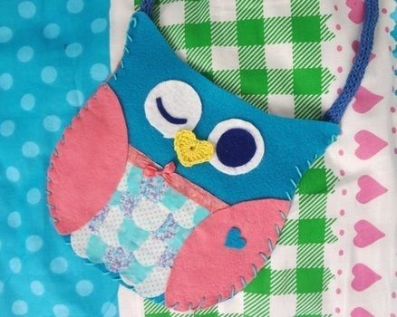 Simple cute owl purse :D Hoot Hoot! .  Free tutorial with pictures on how to make an animal bag in under 120 minutes by needleworking, sewing, yarncrafting, and crocheting with fabric, felt, and ribbon. Inspired by creatures and owls. How To posted by EVEnl. Difficulty: Easy. Cost: Absolutley free. Steps: 3