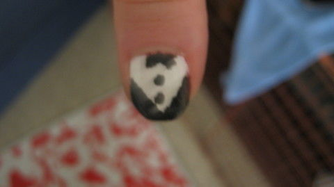 .  Paint a tuxedo nail manicure in under 30 minutes by creating, nail painting, and decorating Inspired by clothes & accessories. Version posted by Missy. Difficulty: Simple. Cost: Cheap.