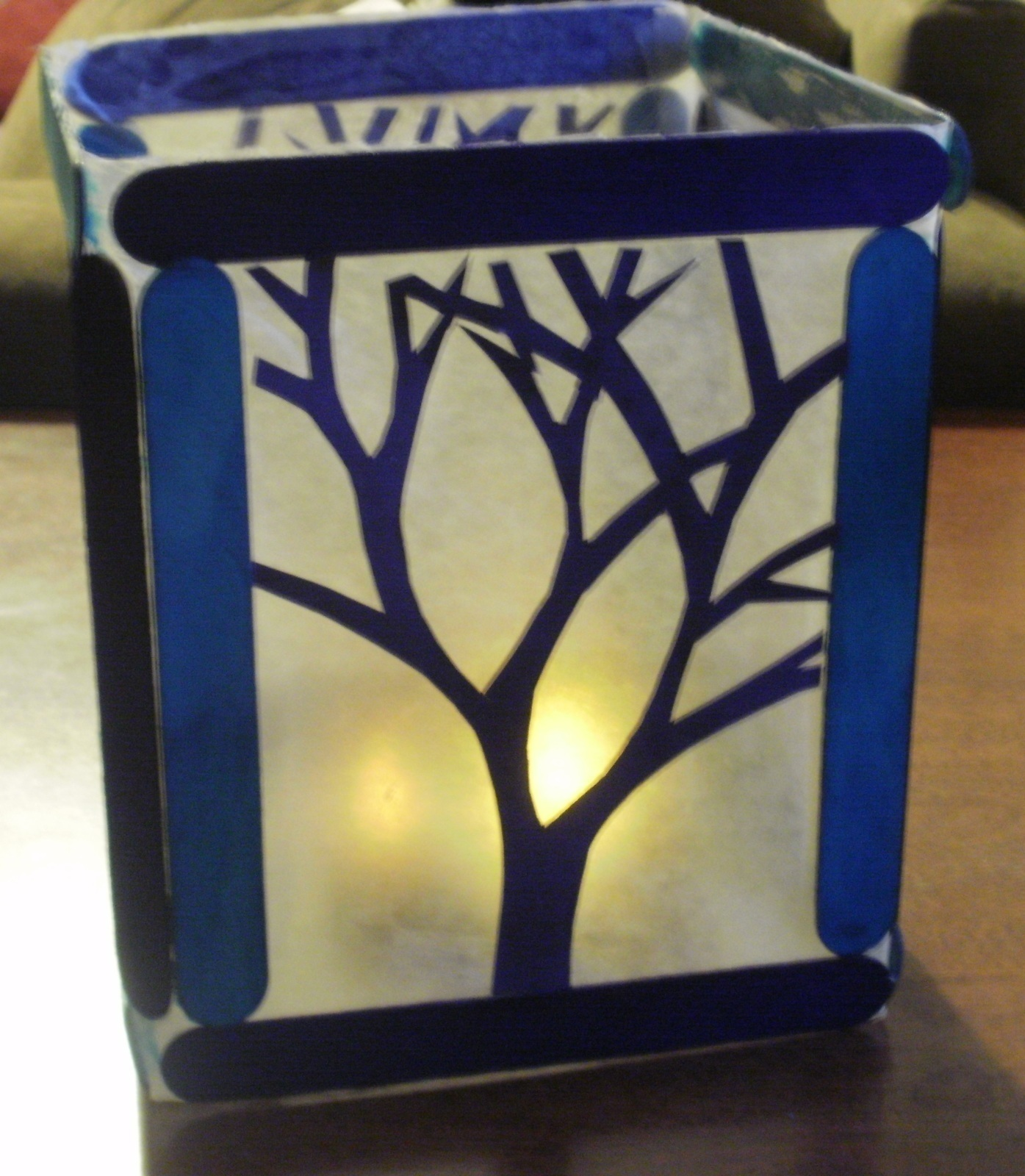 Wax paper candle shade how to make a candle art for Drawing on wax paper