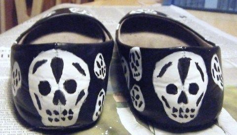 Long Live McQueen .  Paint a pair of painted shoes in under 120 minutes by drawing and decorating with shoes, mod podge, and gel pen. Inspired by gothic, skulls & skeletons, and skulls & skeletons. Creation posted by marilynmunster. Difficulty: Easy. Cost: Cheap.