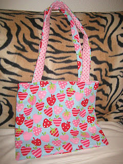 Reversible bag .  Make a reversible tote in under 90 minutes by sewing with fabric, thread, and ruler. Inspired by clothes & accessories. Creation posted by Lady Blucher. Difficulty: Easy. Cost: Cheap.