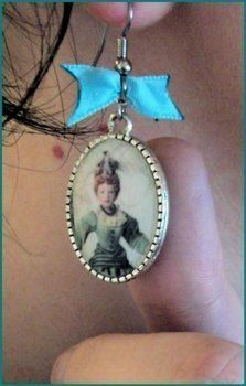 .  Make a cabochon ring in under 150 minutes Inspired by lolita, costumes & cosplay, and vintage & retro. Version posted by PoshlyPasse. Difficulty: Simple. Cost: Cheap.