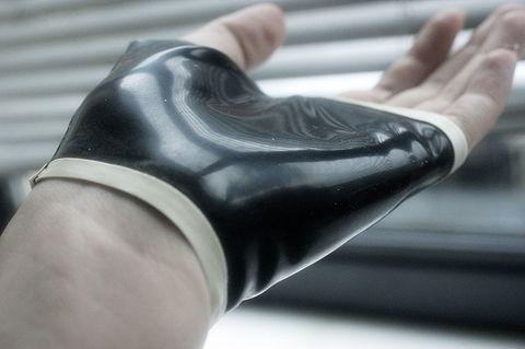 Medium glove small