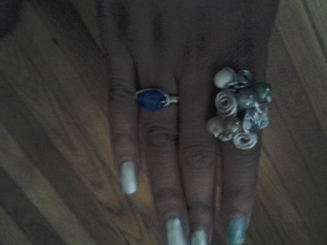 My first time making a wire ring .  Make a wire ring in under 30 minutes by jewelrymaking with wire, wire cutters, and glass stones. Inspired by clothes & accessories. Creation posted by Celestine . Difficulty: Easy. Cost: Cheap.