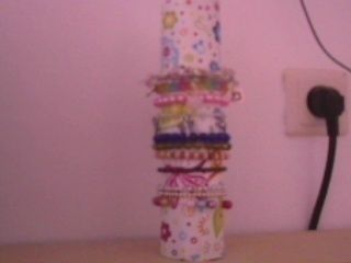 .  Make a bracelet holder in under 10 minutes Version posted by xYaelle. Difficulty: Easy. Cost: Absolutley free.