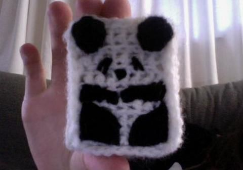 .  Stitch a knit or crochet pouch in under 60 minutes by needleworking, sewing, and crocheting Version posted by Paola . Difficulty: 4/5. Cost: Cheap.