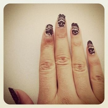 Chic, trendy, party nails  .  Free tutorial with pictures on how to paint braided nail art in under 30 minutes using nail polish, lace, and nailpolish. How To posted by Maleikie .. Difficulty: Easy. Cost: Absolutley free. Steps: 1