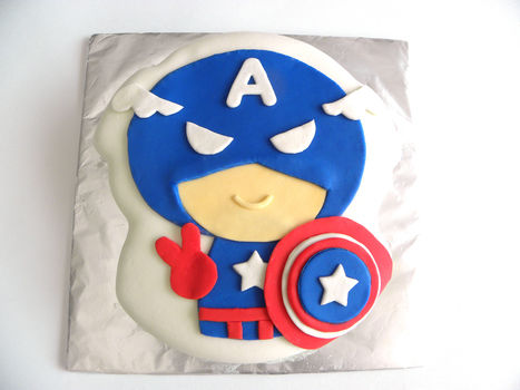 For my very own superhero <3 .  Free tutorial with pictures on how to decorate a superhero cake in 8 steps by cooking, baking, decorating food, and decorating with knife, frosting, and fondant. Inspired by birthdays, creatures, and cake. Recipe posted by angelichigo. Difficulty: 4/5. Cost: 3/5.