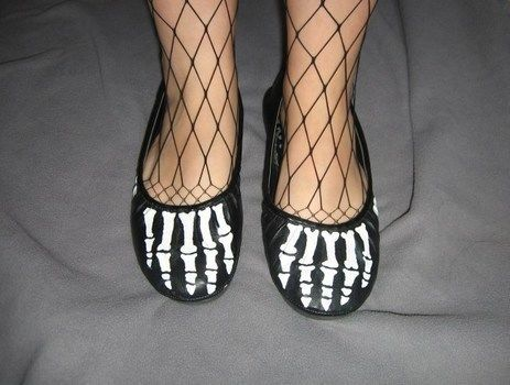 $40 shoes for FREE!  .  Free tutorial with pictures on how to paint a pair of painted shoes in 9 steps by drawing with acrylic paint, paint brush, and fabric paint. Inspired by halloween, gothic, and skulls & skeletons. How To posted by DarkAshHurts. Difficulty: Simple. Cost: Cheap.