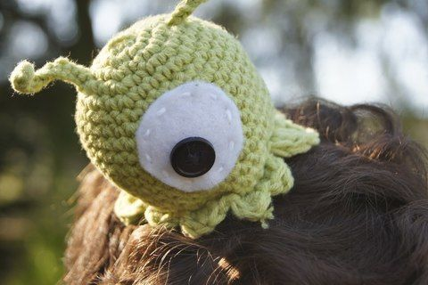 Make your own costume for Comic Con and Halloween, here's a free pattern for a Brain Slug from the show Futurama! .  Free tutorial with pictures on how to make a character hat in under 30 minutes by crocheting with felt, crochet hook, and yarn needle. Inspired by futurama and aliens. How To posted by louis.mensinger. Difficulty: Easy. Cost: Cheap. Steps: 5