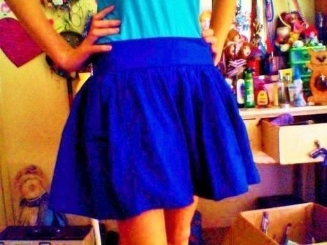 Its so blue! .  Free tutorial with pictures on how to sew a gathered skirt in under 30 minutes by sewing and dressmaking with zipper and cotton fabric. Inspired by vintage & retro and clothes & accessories. How To posted by Peggals <3. Difficulty: Easy. Cost: No cost. Steps: 5