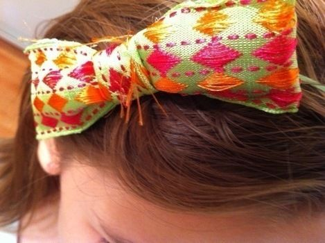 .  Make a bow tie in under 18 minutes by hairstyling Inspired by clothes & accessories. Version posted by Cake.  in the Jewelry section Difficulty: Simple. Cost: Cheap.
