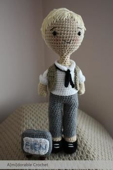 Ellen is in the house! .  Make a celebrity plushie by crocheting and amigurumi with yarn. Inspired by celebrities and kawaii. Creation posted by amidorable . Difficulty: 3/5. Cost: No cost.