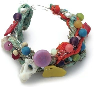 Junk-Box Jewelry .  Free tutorial with pictures on how to make a wire bracelet in under 50 minutes by jewelrymaking with beads, wire, and wire. How To posted by Zest Books. Difficulty: Simple. Cost: Absolutley free. Steps: 12