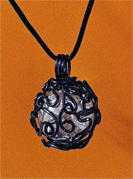 .  Make a wire necklace in under 60 minutes by creating, applying makeup, glassworking, jewelrymaking, metalworking, wireworking, and wireworking Inspired by clothes & accessories and bird nests. Version posted by Joybells. Difficulty: Simple. Cost: 3/5.