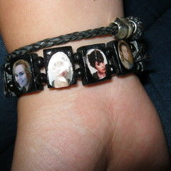 Saint Bracelet In A Different Way