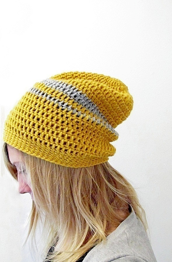 1441cae6721 Crochet this easy beanie! . Free tutorial with pictures on how to make a  slouchy
