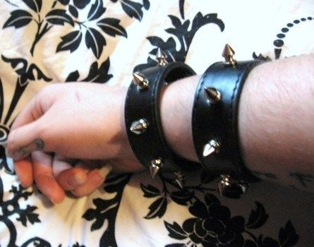 .  Make a cuff in under 60 minutes by constructing, not sewing, and studding Inspired by gothic, punk, and clothes & accessories. Version posted by DarkAshHurts. Difficulty: Easy. Cost: Absolutley free.
