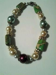 My Simple and Chic versions of bracelets from eebeads.com .  Make a beaded bracelet in under 60 minutes by jewelrymaking with beads, beading wire, and jewelry clasp. Creation posted by Michele . Difficulty: Simple. Cost: Cheap.