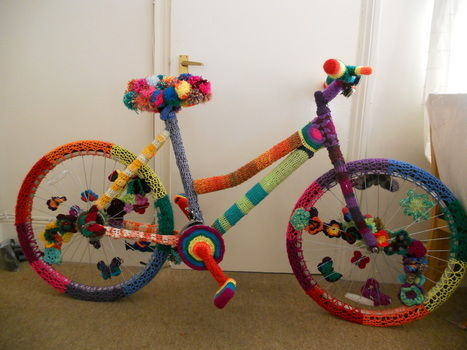How to change a old bike into a wooly rainbow .  Free tutorial with pictures on how to make a bikes in 7 steps by crocheting and amigurumi with crochet hook, wool, and bike. How To posted by calamity crochet. Difficulty: 3/5. Cost: Cheap.
