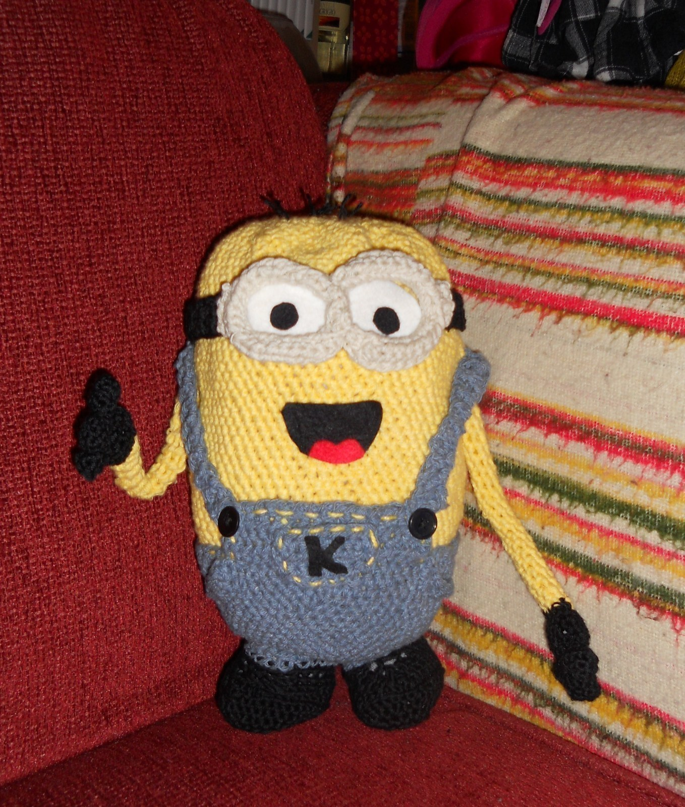 Free Hawaiian Minion crochet pattern - Amigurumi Today | 1600x1358