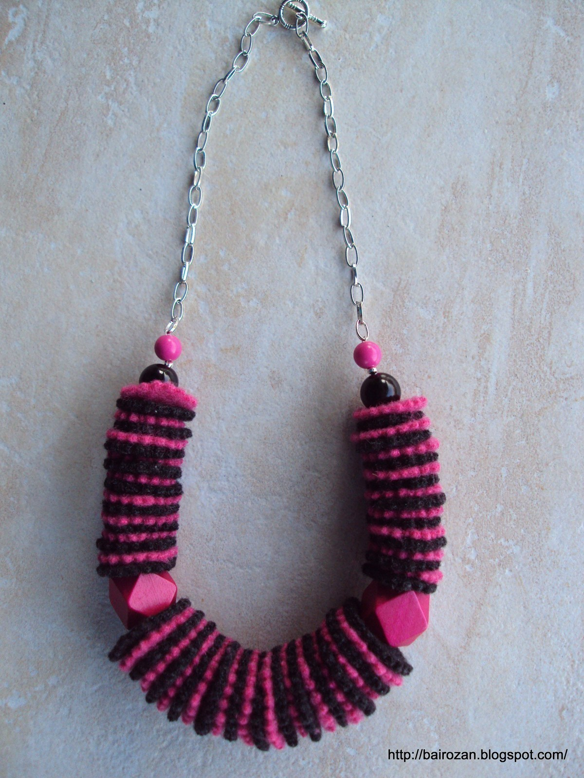 Felt Necklaces From Recycled Clothes 183 A Fabric Necklace 183 Jewelry Making On Cut Out Keep