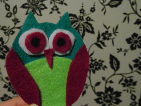 What a hoot! .  Free tutorial with pictures on how to sew a fabric animal brooch in under 40 minutes by jewelrymaking and felting with scissors, felt, and paper. Inspired by owls and clothes & accessories. How To posted by Rachel.R. Difficulty: Easy. Cost: Cheap. Steps: 13