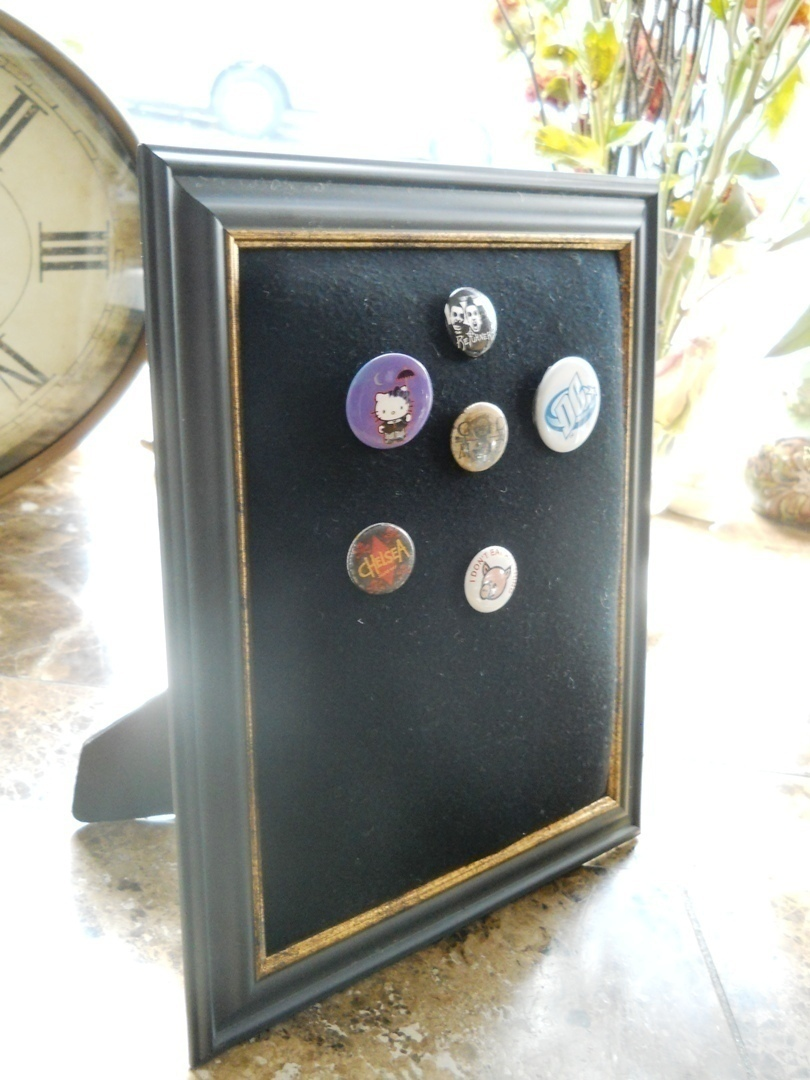 Pinback Button Display · How To Make A Bulletin Board · Construction