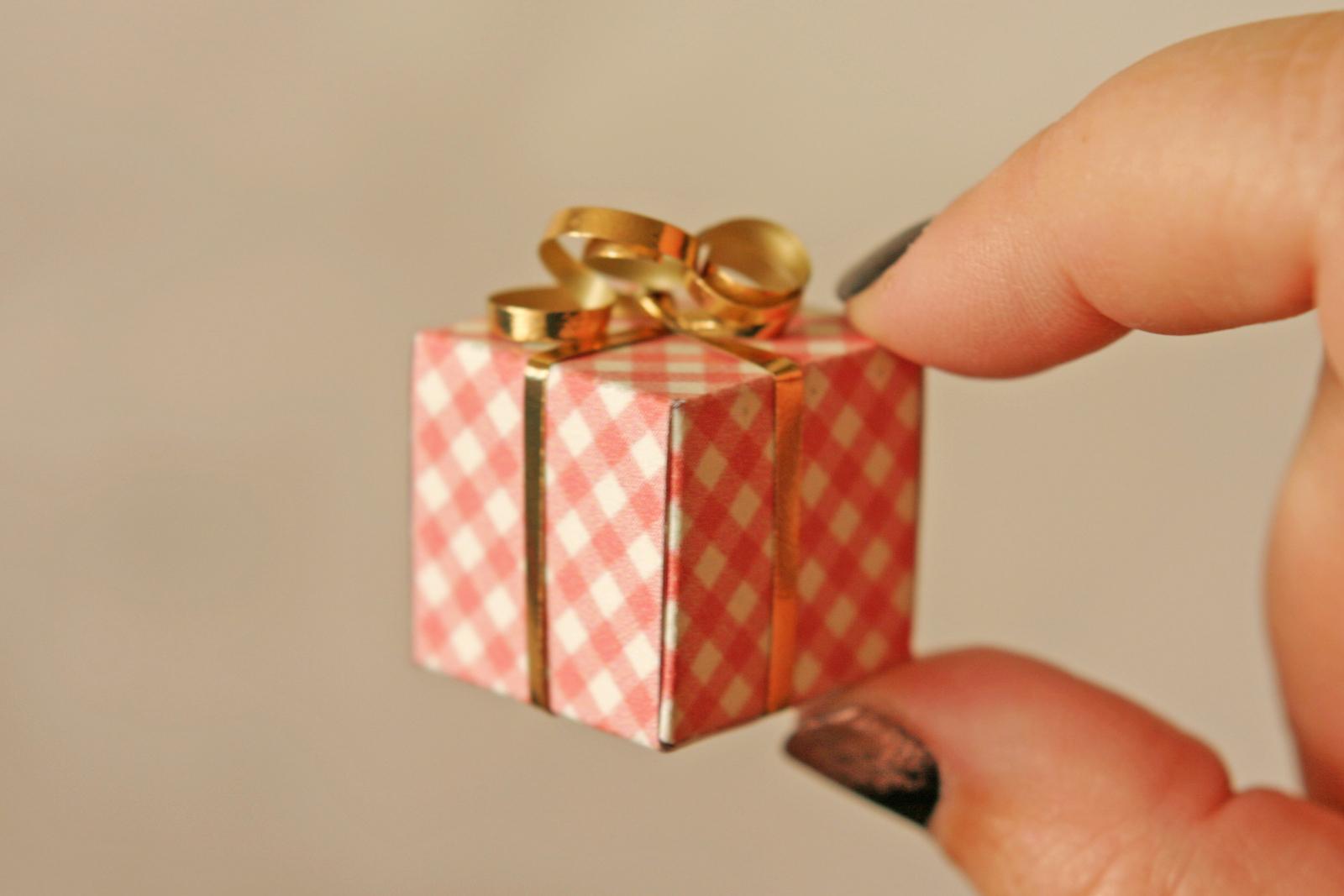 Small Whimsical Christmas Gift Boxes, 4 Pack - Walmart.com |Tiny Christmas Boxes