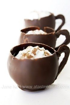 Edible chocolate cups filled with a spicy chocolate mousse .  Free tutorial with pictures on how to make a chocolate cup in under 60 minutes by cooking, baking, decorating food, and mixing drinks with chocolate. Recipe posted by Jane K. Difficulty: 4/5. Cost: Cheap. Steps: 5