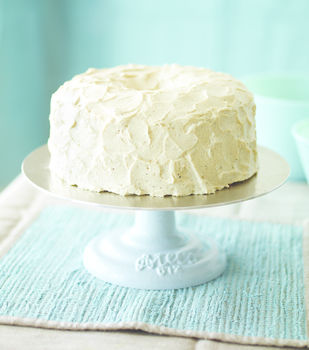 Pure Vanilla .  Free tutorial with pictures on how to bake a vanilla cake in under 60 minutes by cooking, baking, and decorating food with salt, sugar, and egg white. Recipe posted by Quirk Books. Difficulty: Simple. Cost: 3/5. Steps: 4