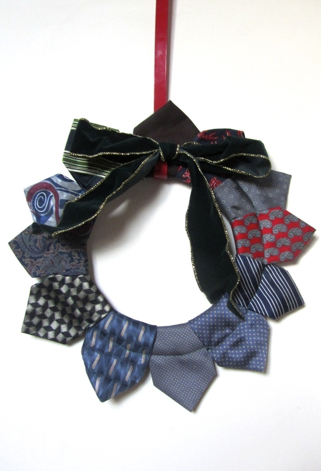 Neck Tie Wreath 183 How To Make A Fabric Wreath 183 Sewing On