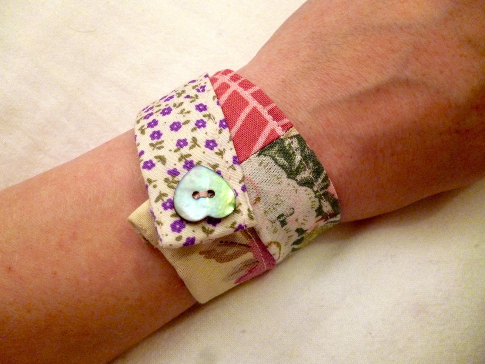 Patchwork Fabric Frienship Bracelet · How To Make A Fabric