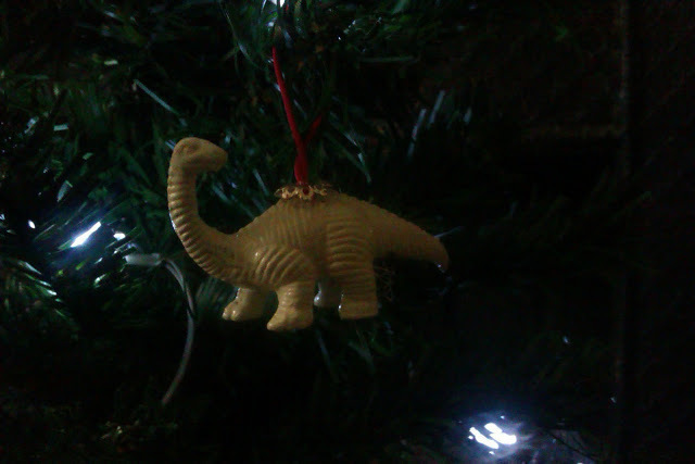 cretaceous christmas curios cheap and awesome free tutorial with pictures on how to make - Dinosaur Christmas Decorations