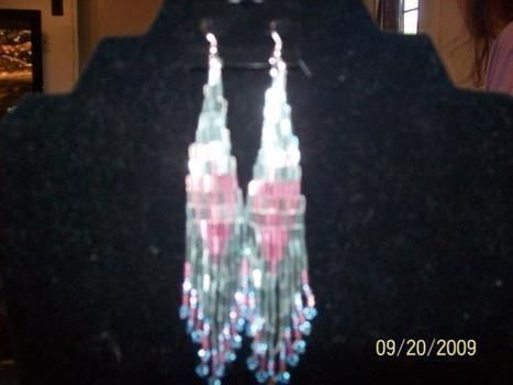 Fun easy and cool .  Bead a set of beaded tassel earrings by beading, jewelrymaking, yarncrafting, crocheting, and knitting with bugle beads. Inspired by vintage & retro and clothes & accessories. Creation posted by craftywebmom. Difficulty: 3/5. Cost: 3/5.