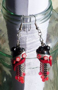 Finally! Earrings made! .  Make a dangle earring in under 120 minutes by nail painting and jewelrymaking with beads, chain, and earring hooks. Inspired by halloween, gothic, and costumes & cosplay. Creation posted by CiiMoore.  in the Jewelry section Difficulty: Simple. Cost: No cost.