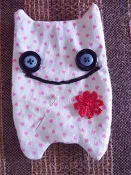 .  Make a food plushie in under 60 minutes by needleworking Inspired by domo kun, domo kun, and domo kun. Version posted by SarahOliveira92. Difficulty: 3/5. Cost: Absolutley free.