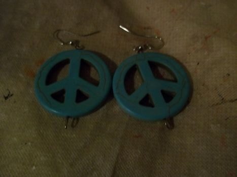 Peace out yo! .  Make a pair of pendant earrings in under 5 minutes by beading, jewelrymaking, and jewelrymaking with beads, earring hooks, and head pins. Inspired by clothes & accessories, peace signs, and peace signs. Creation posted by Ashley P. Difficulty: Easy. Cost: Absolutley free.