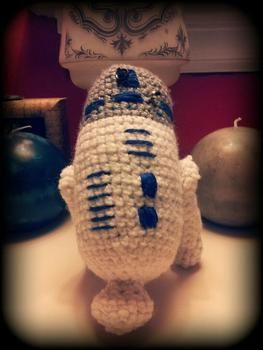 R2-D2 .  Free tutorial with pictures on how to make a Star Wars plushie in 5 steps by embroidering, yarncrafting, crocheting, and amigurumi with yarn, yarn, and crochet hook. Inspired by star wars and kawaii. How To posted by Sasha. Difficulty: Simple. Cost: Cheap.