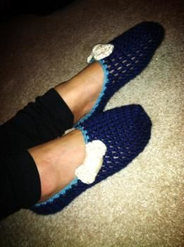 Cute slippers for home :) .  Stitch a pair of knit or crochet slippers in under 120 minutes by crocheting with yarn and crochet hook. Inspired by kawaii, clothes & accessories, and bows. Creation posted by jazminebeee. Difficulty: 3/5. Cost: Cheap.