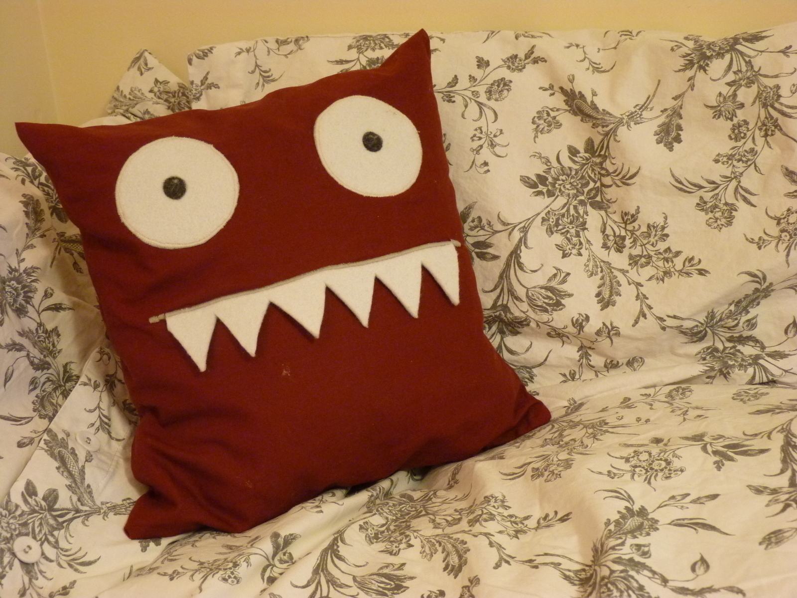 Set of pacman ghost applique cushion cover vintage game also